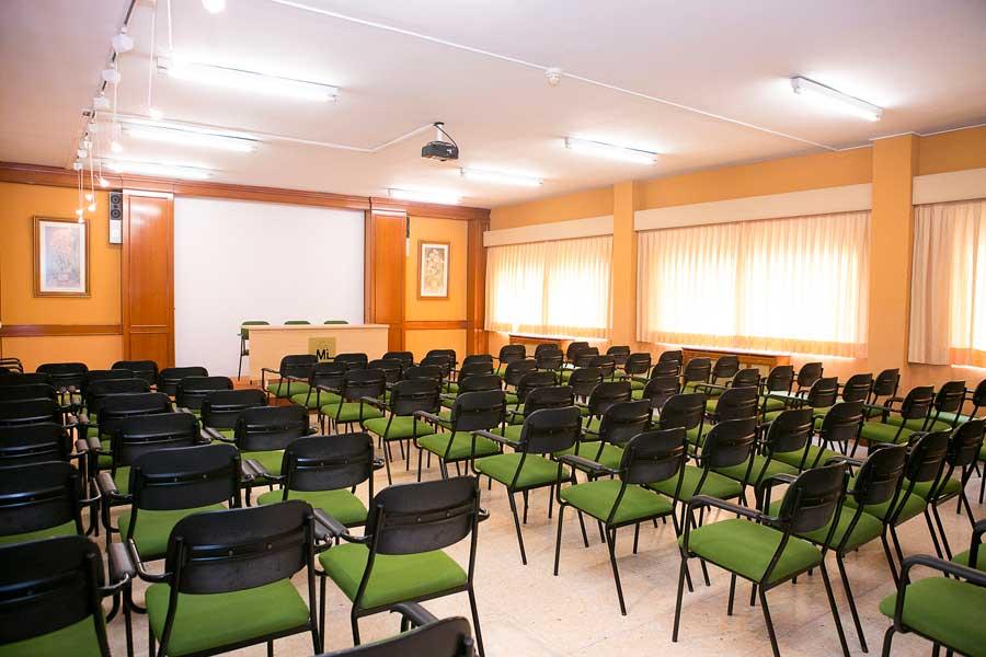 Instalaciones - Sala de proyecciones Mater Inmaculata